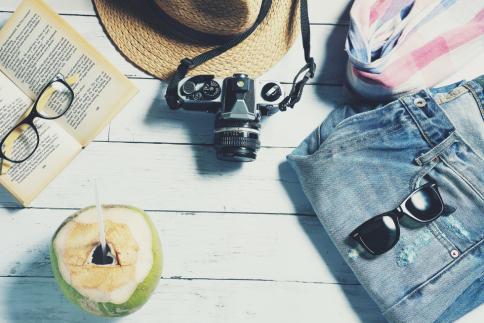 Prenotare una vacanza: la terza fase del travel cycle si concentra sugli aspetti della prenotazione del viaggio.